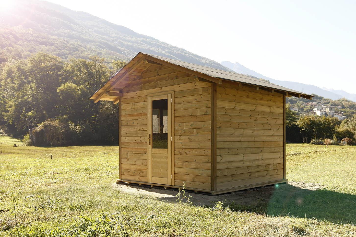 Casetta in legno di pino impregnato realizzato da Linea Montanalegno - ILT