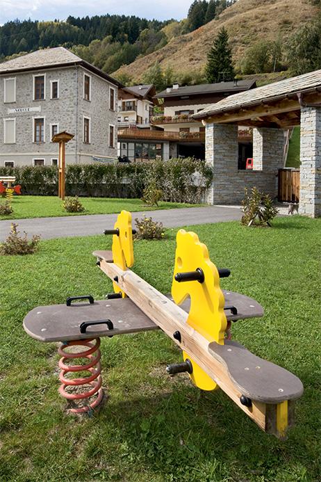 Gioco a molla in legno venduto da Linea Montanalegno - ILT