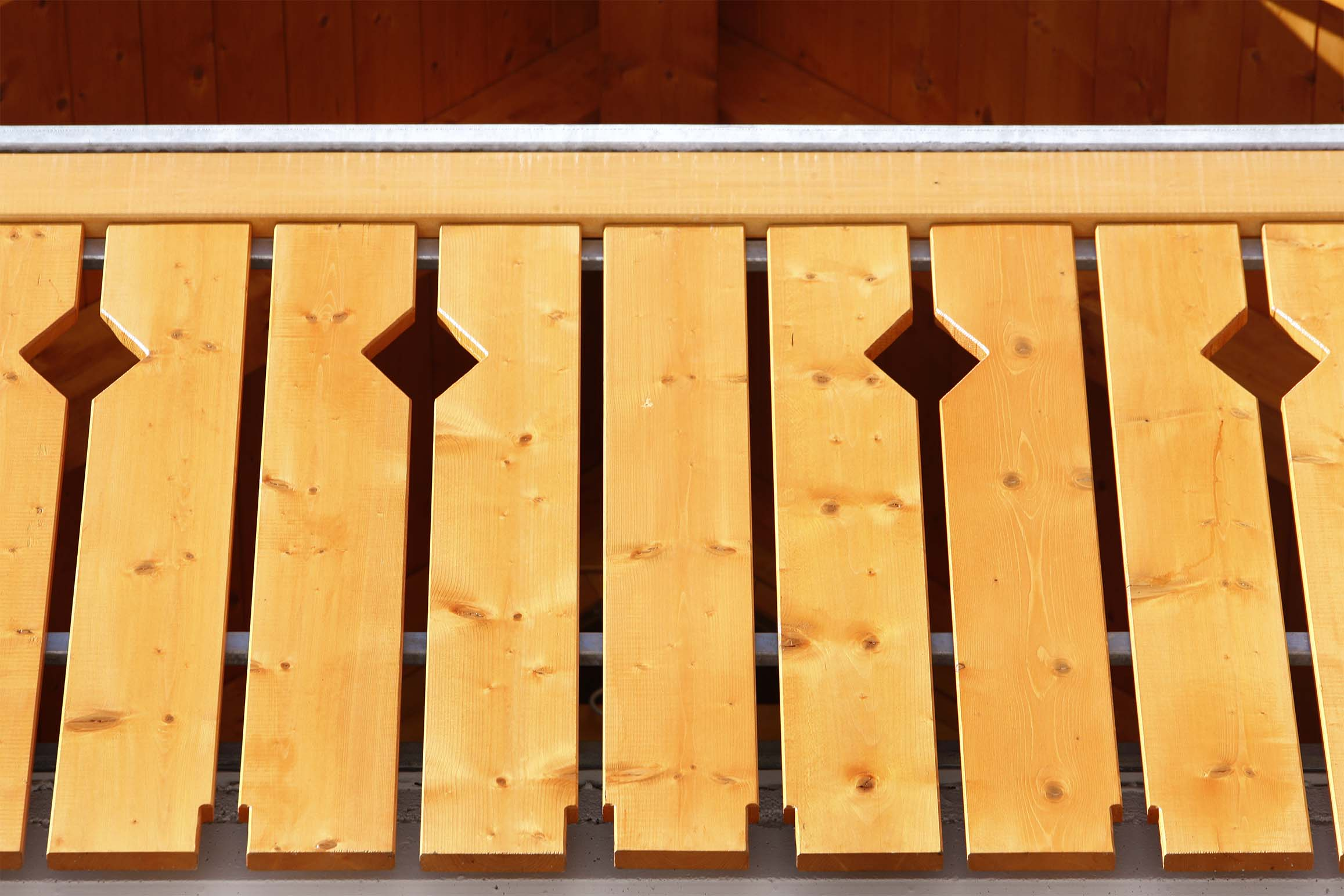 Stecche per balconi in legno di pino impregnato realizzato da Linea Montanalegno - ILT