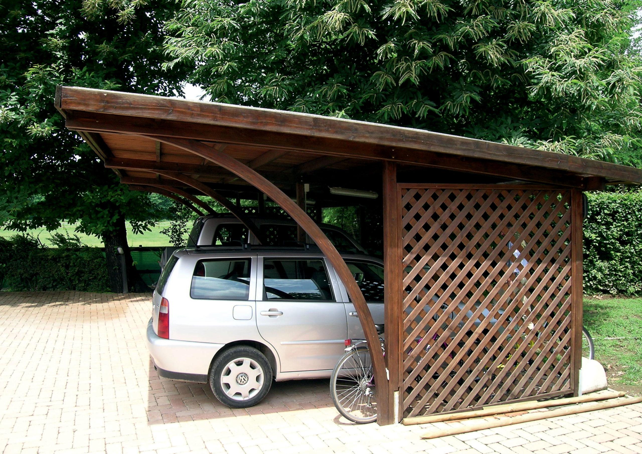 Carport in legno di pino nordico impregnato o larice o lamellare realizzato da Linea Montanalegno - ILT