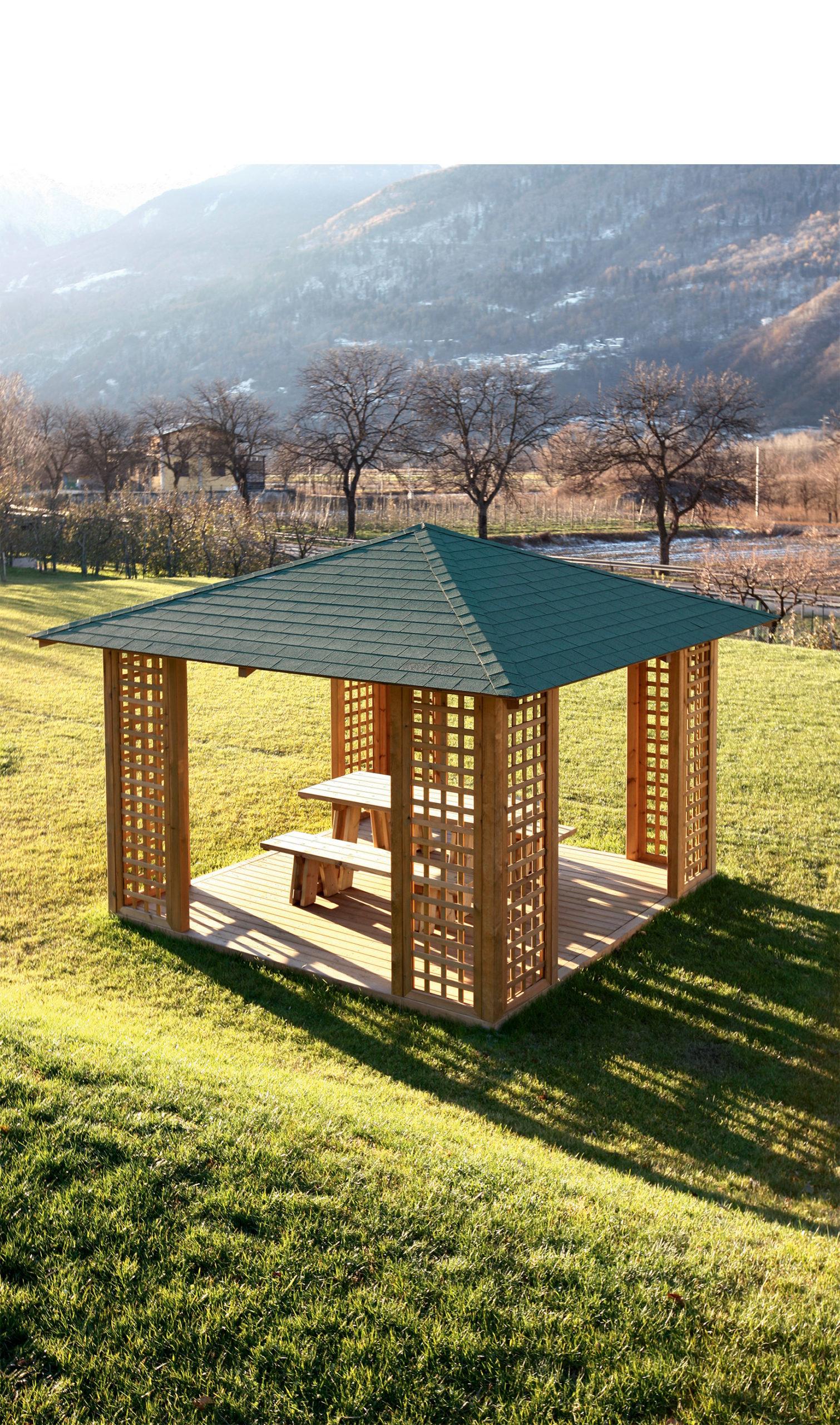 gazebo per giardino in legno realizzato da Montana Legno - ILT