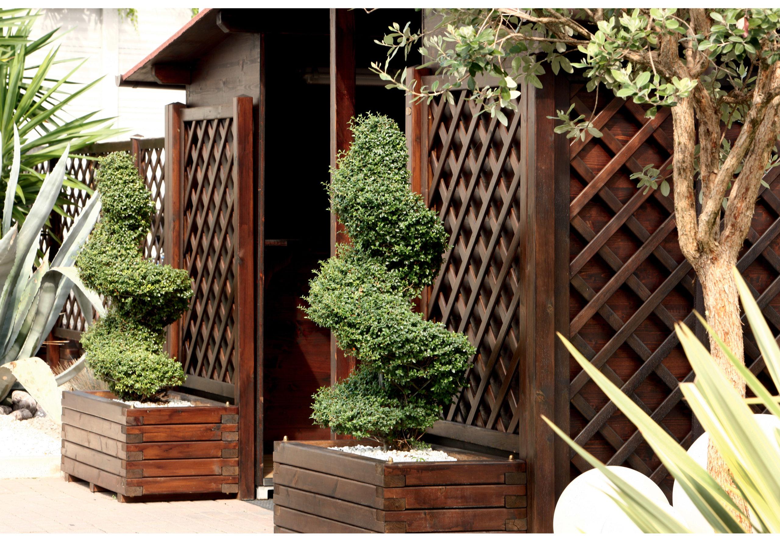 Fioriera con grigliato in legno di pino o larice realizzato da Linea Montanalegno - ILT