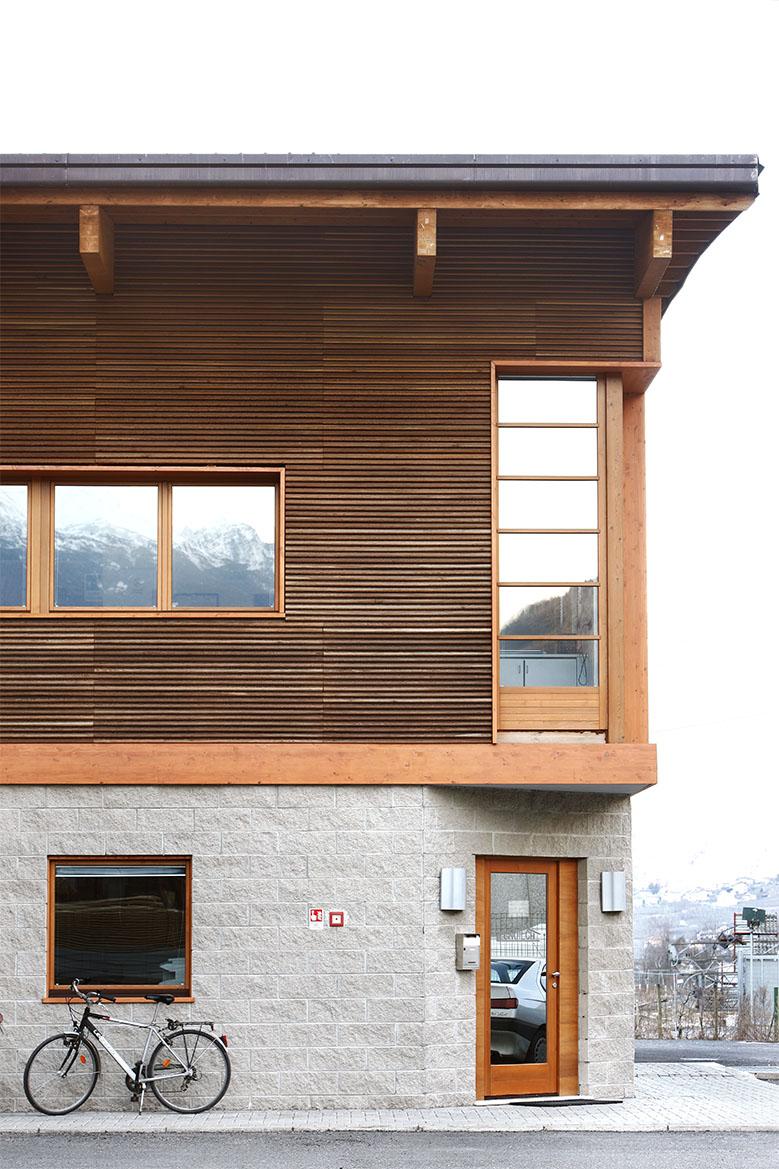 Rivestimento facciata in legno realizzato da Linea Montanalegno - ILT