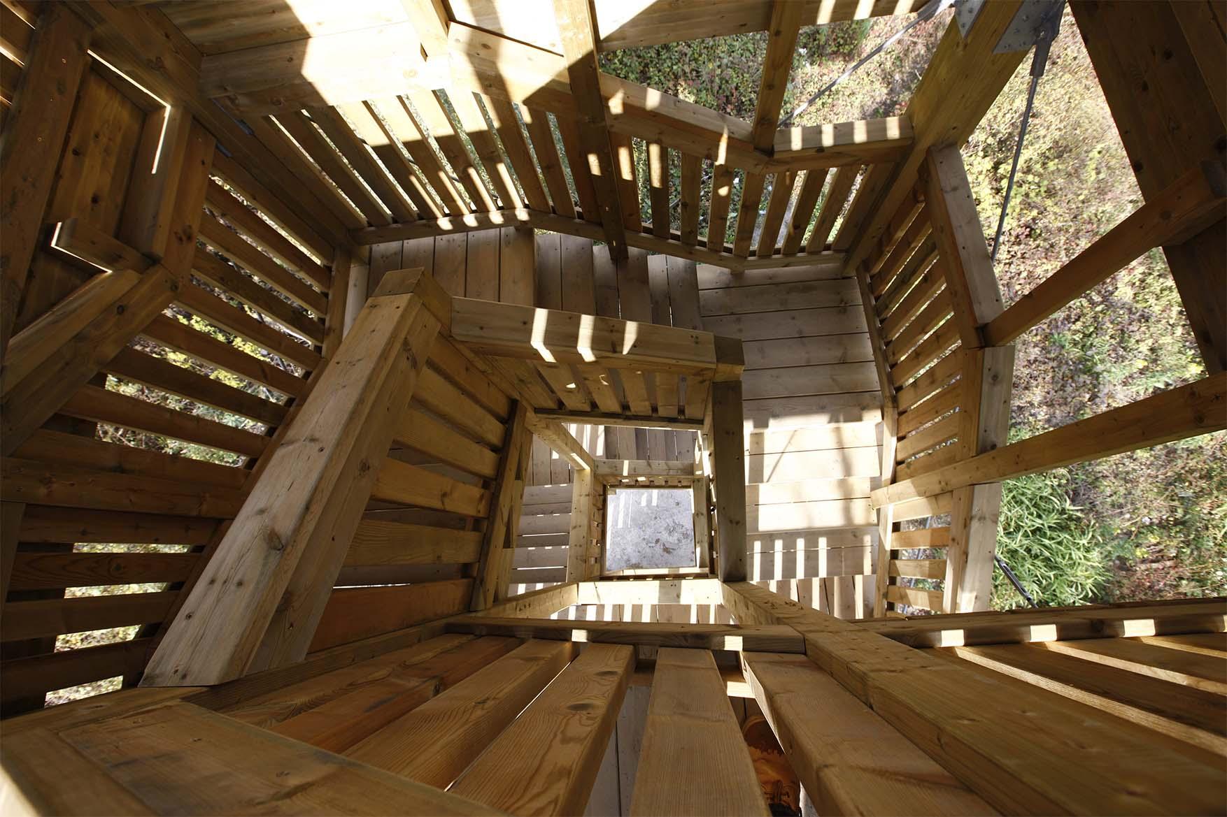 Torre avvistamento birdwatching in legno di pino nordico impregnato in autoclave realizzato da Linea Montanalegno - ILT