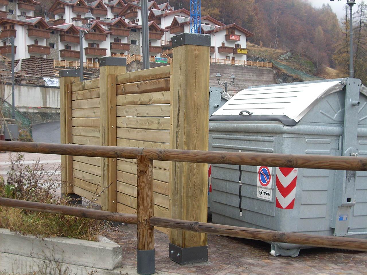 Schermatura in legno di pino nordico impregnato in autoclave realizzato da Linea Montanalegno - ILT