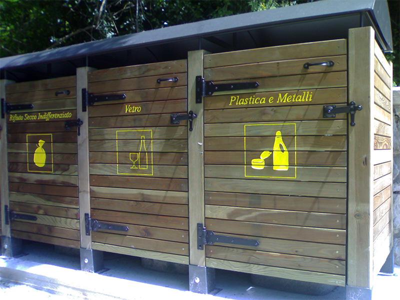 Contenitore bidoni in legno di pino nordico impregnato in autoclave realizzato da Linea Montanalegno - ILT